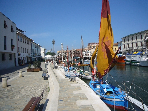 Rif. 315 – Porto Canale LeonardescoVia Moretti N. 11a