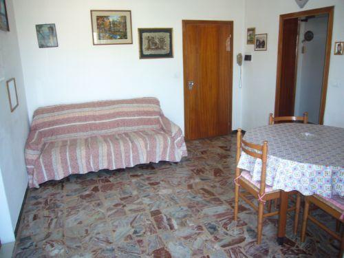 Bilocale Via Monte Fumaiolo N.2Cesenatico Zona Madonnina Santa Teresa