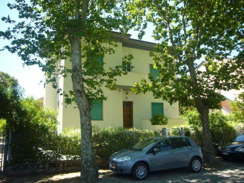 Rif. 428 – Cesenatico LevanteVia Nino Bixio N. 1