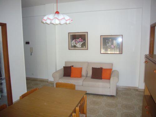 Appartamento Sul Lungomare Carducci Con Balcone