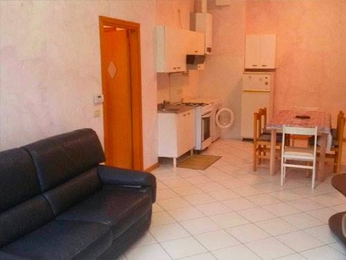 Appartamento Vicino Al Mare Con Corte Privata E Terrazzo