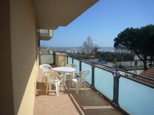 Appartamento Sul Viale Carducci Con Terrazzo Vista Mare